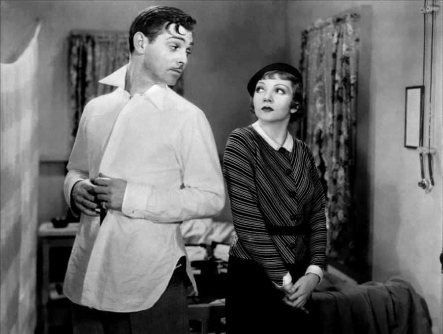 Clark Gable dans It Happened One Night sans et maillot de corps en 1934