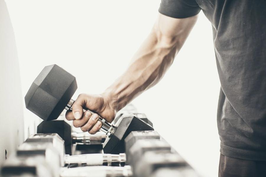 Meilleurs exercices d'haltères pour hommes