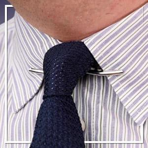 Comment coiffer un clip de collier - Conseils pour les clips, barres et épingles de collier pour hommes