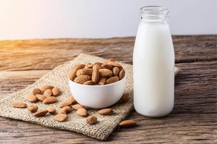Meilleures boissons Keto - lait d'amande
