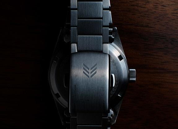 En test: la montre automatique Lorier Falcon Series II