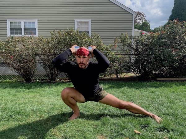 Le squat cosaque: récupérez votre équilibre de base - Fitness, fitness, équilibre, squat, mobilité, musculation, amplitude de mouvement, posture, stabilité, deadlifts, abduction de la hanche, plans de mouvement, modèles de mouvement, coordination, asymétrie, squat cosaque, déséquilibres , adducteurs, stabilité du noyau