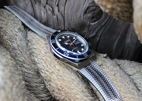 La montre automatique Timex M79