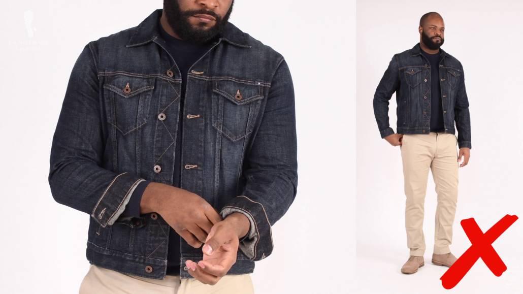 Porter une veste en jean un peu plus courte n'est pas vraiment le meilleur look pour un homme de grande taille comme Kyle.