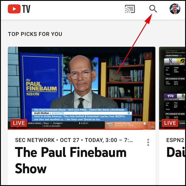 Écran d'accueil de YouTube TV.  Appuyez sur l'icône de recherche.