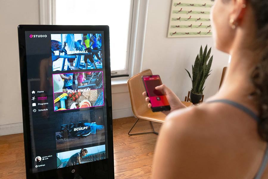Le Studio Smart Hub pour votre salle de gym à domicile avec application