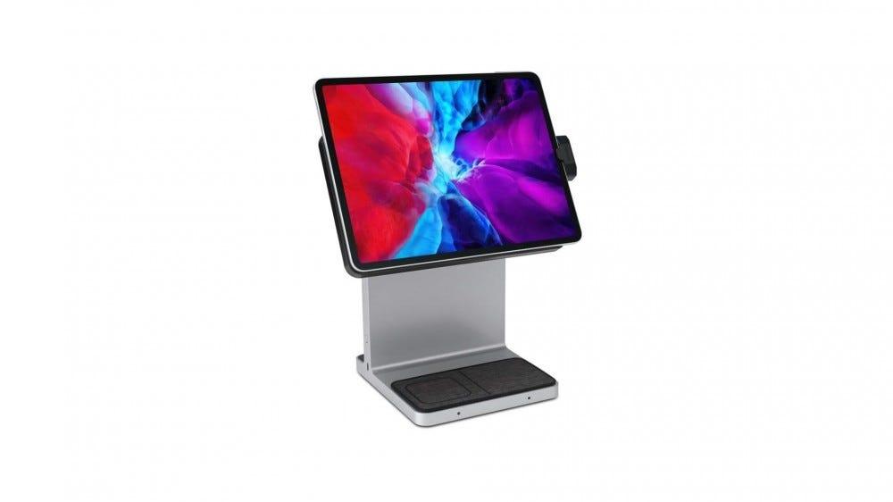 Un iPad connecté à un support