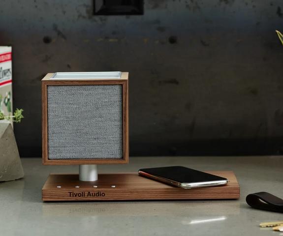 Haut-parleur et chargeur Tivoli Audio Revive
