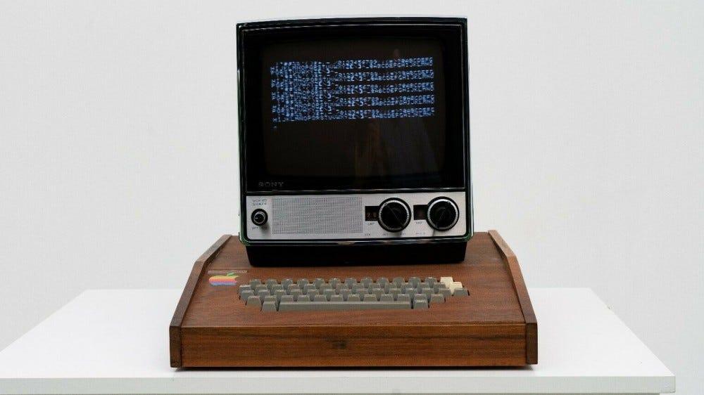 Apple 1 avec moniteur Sony