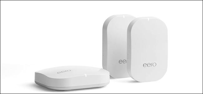 Trois appareils Wi-Fi maillés Amazon Eero