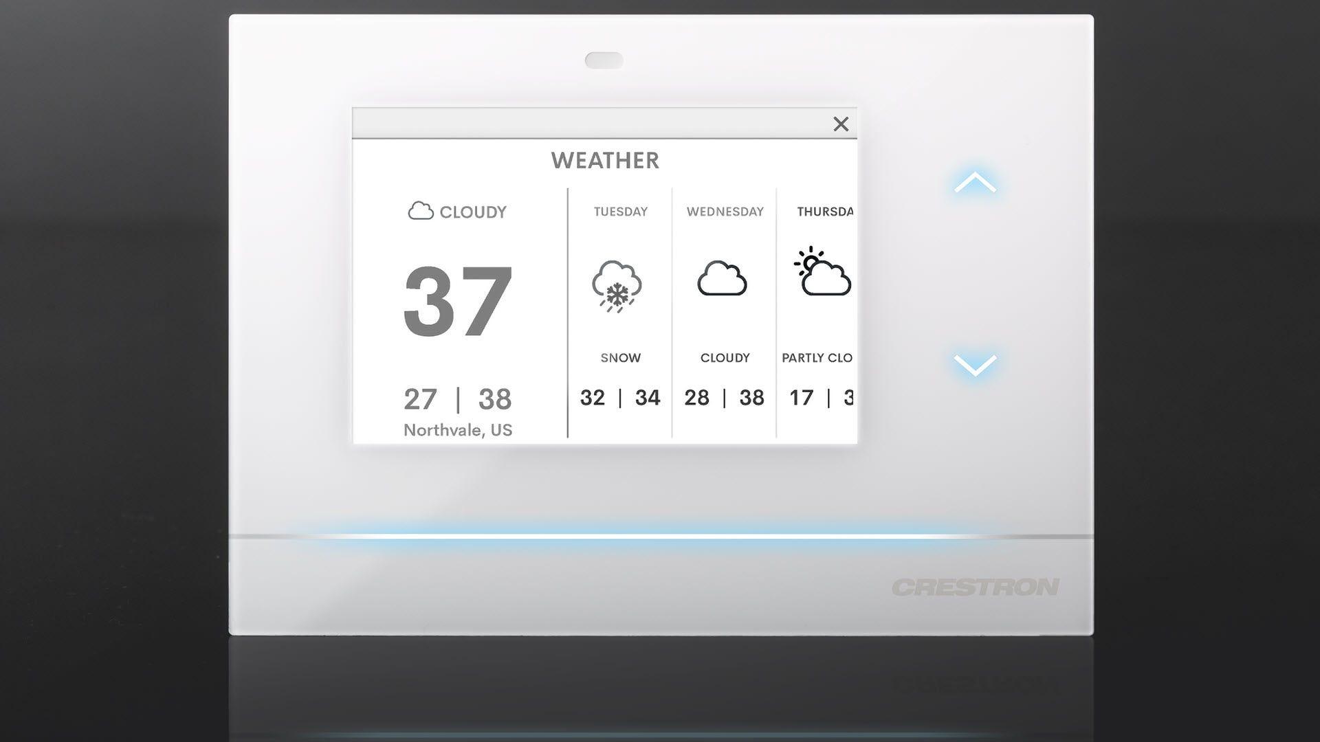 Un thermostat Crestron indiquant la météo à venir