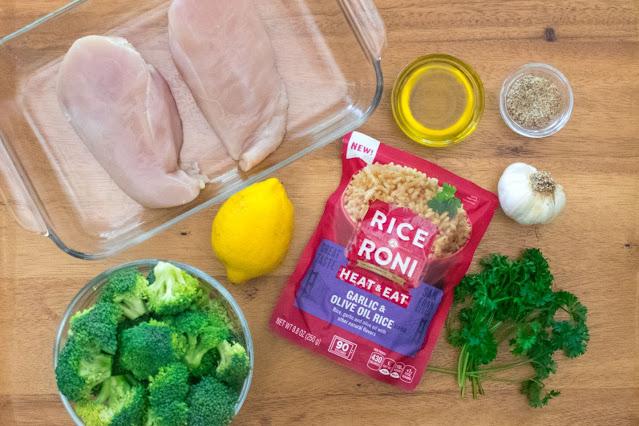 Recette simple de bol de riz au poulet au micro-ondes et au roni